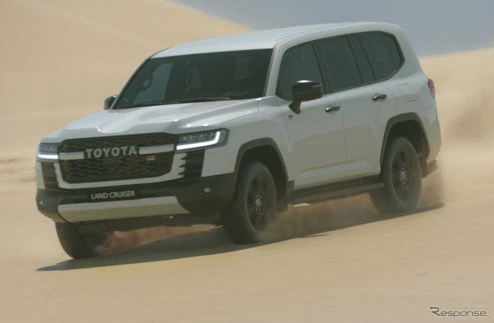 トヨタ ランドクルーザー 新型の海外仕様。フロントグリルには「GR」のバッジが見える《写真提供 トヨタ自動車》