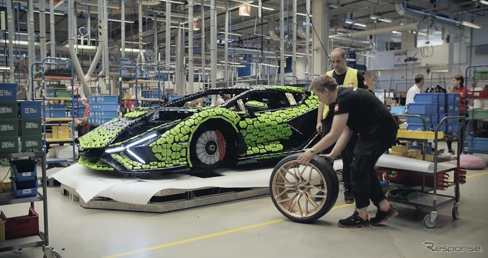 ランボルギーニ・シアン FKP37 をLEGOブロックで再現した実物大レプリカ《photo by Lamborghini》