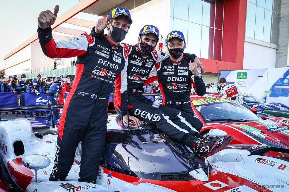 優勝した#8 トヨタの(左から)ハートレー、ブエミ、中嶋一貴。《Photo by TOYOTA》