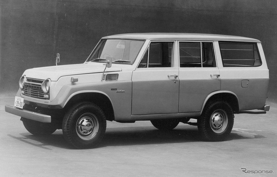 1967年:ランドクルーザー55型(ステーションワゴン)《写真提供 トヨタ自動車》
