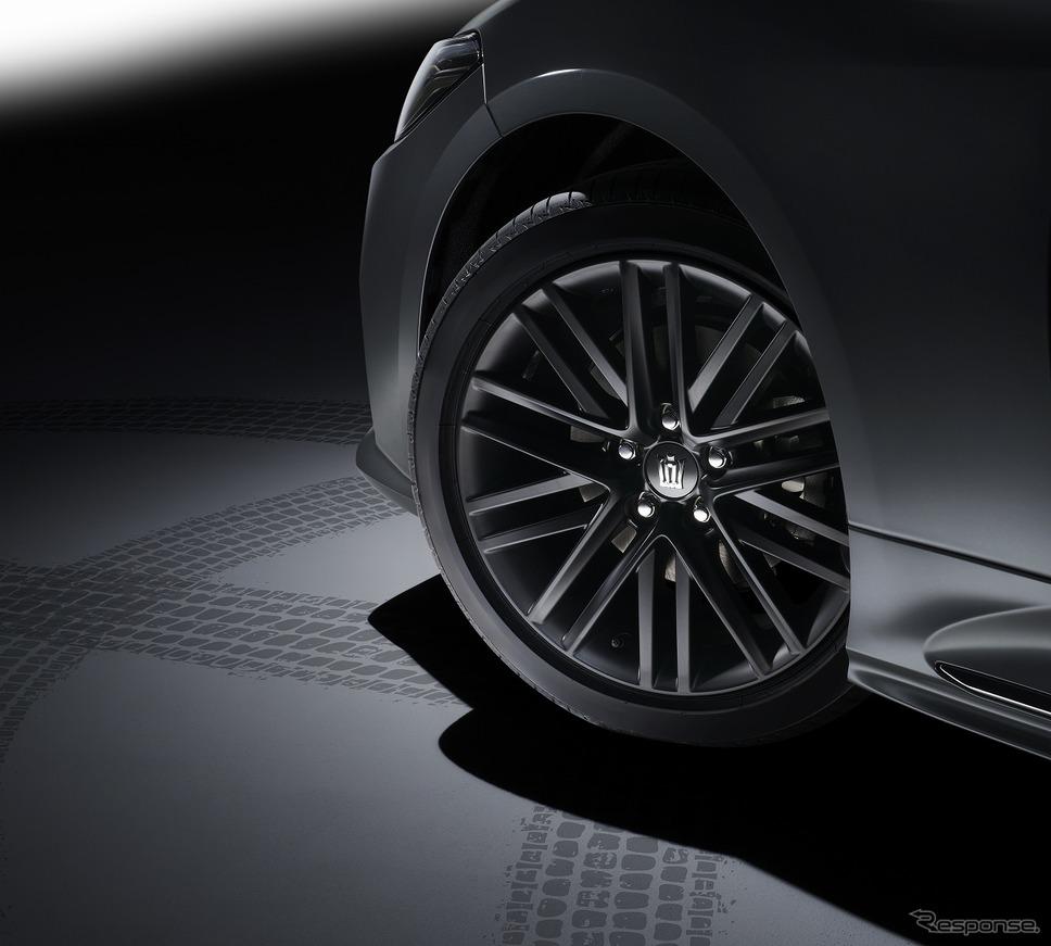 225/45R18タイヤ&専用18インチアルミホイール(マットブラック塗装/RS仕様専用)センターオーナメント《写真提供 トヨタ自動車》