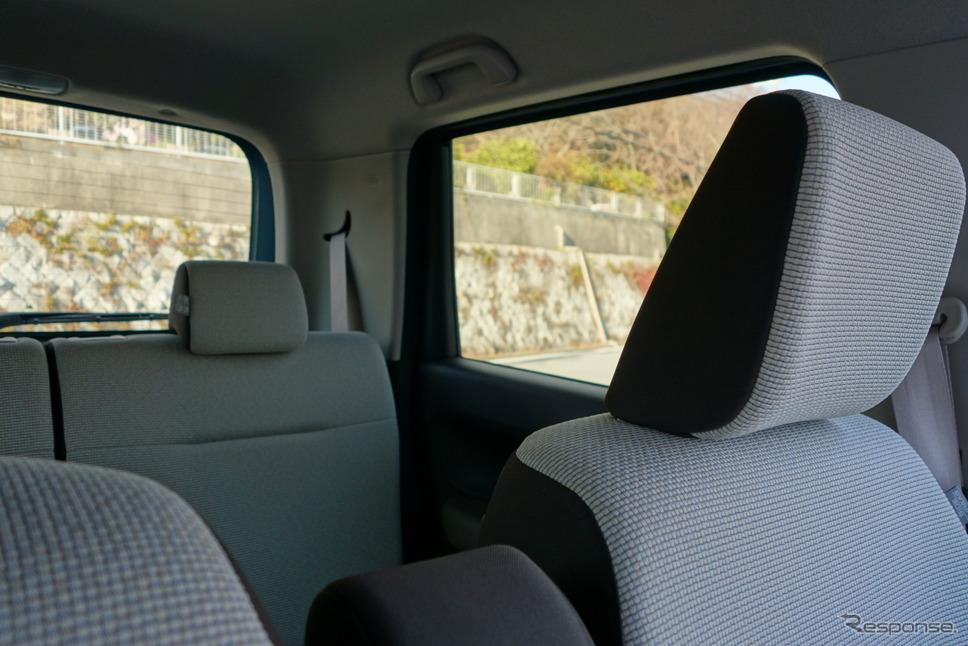 視界の良さはN-WGNの美点。このように斜め後ろの死角もきわめて小さく、目視での安全確認はバッチリ。《写真撮影 井元康一郎》