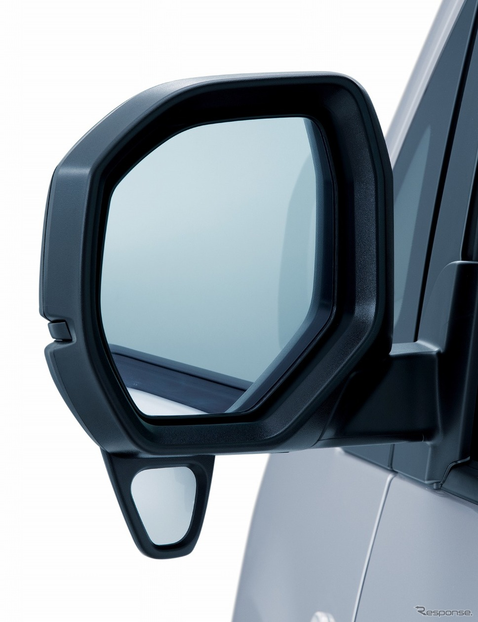 電動格納式リモコンドアミラー《写真提供 日産自動車》