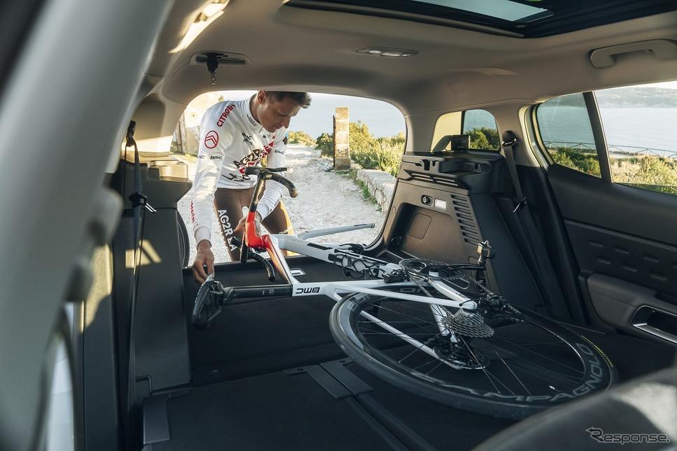 アージェードゥーゼル・シトロエン・チームとチームカーのC5 エアクロスSUV プラグインハイブリッド《写真提供 グループPSAジャパン》