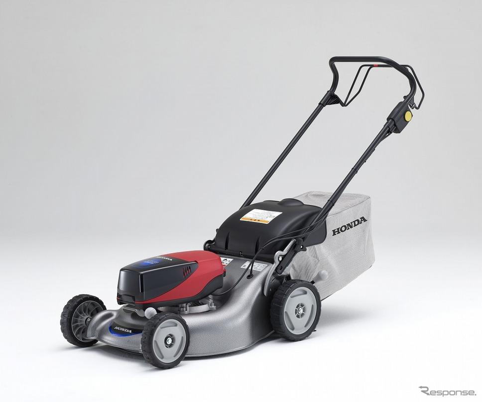 歩行型電動芝刈機「HRG466XB」《写真提供 本田技研工業》