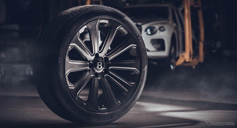 ベントレー・ベンテイガ の22インチカーボン製ホイール《photo by Bentley》
