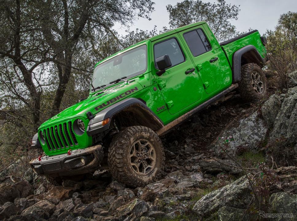 ジープ・ラディエーター の2021年モデルに用意された「ヤモリグリーン」《photo by Jeep》