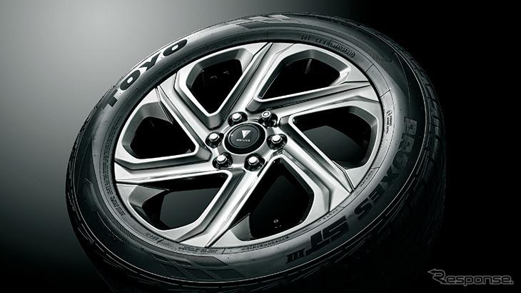 21インチ アルミホイール&タイヤセット(ロックナット付)《写真提供 トヨタカスタマイジング&ディベロップメント》