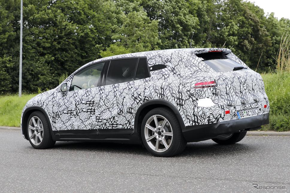 メルセデスベンツ EQS SUV プロトタイプ(スクープ写真)《APOLLO NEWS SERVICE》