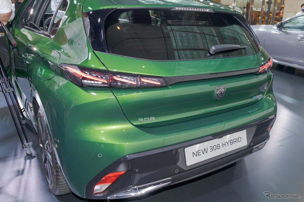 308ハイブリッド新型:リアを横切る特徴的なラインは空力性能を考えてデザインされている。《写真撮影 関口敬文》