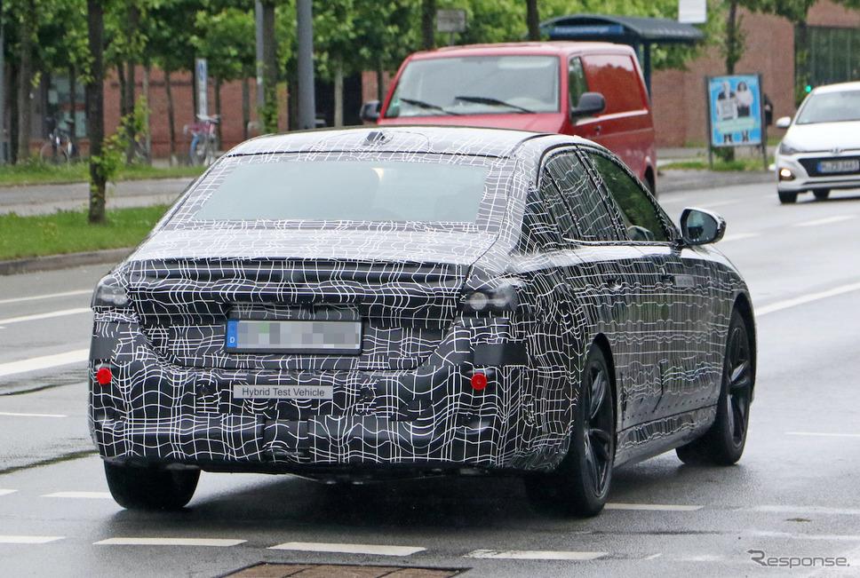 BMW 5シリーズ 次期型プロトタイプ(スクープ写真)《APOLLO NEWS SERVICE》
