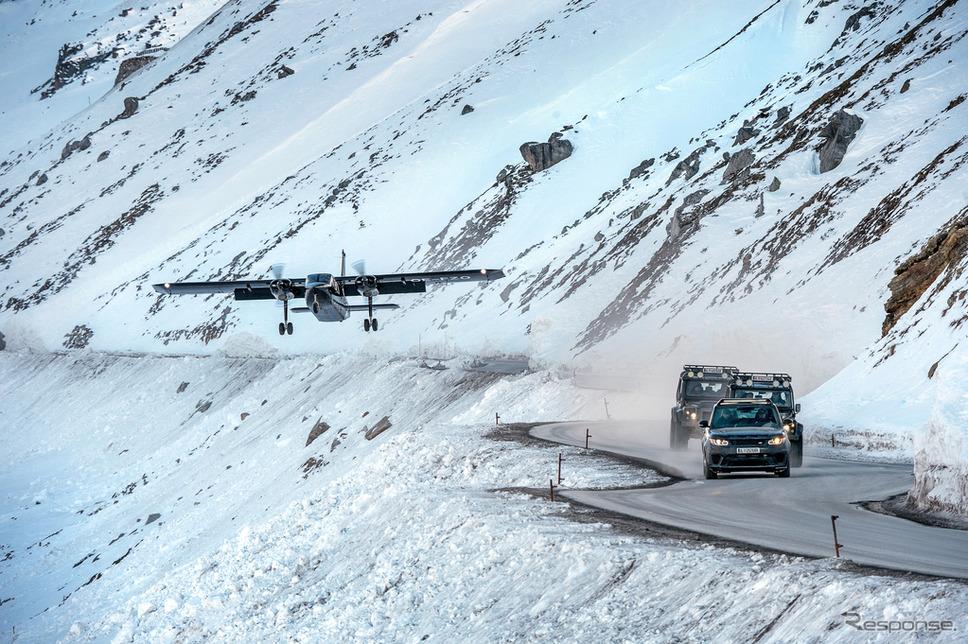 『007 スペクター』《photo by Land Rover》