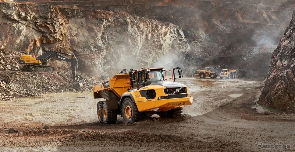 世界最大のアーティキュレート式運搬用トラックのボルボ A60H《photo by ボルボCE》