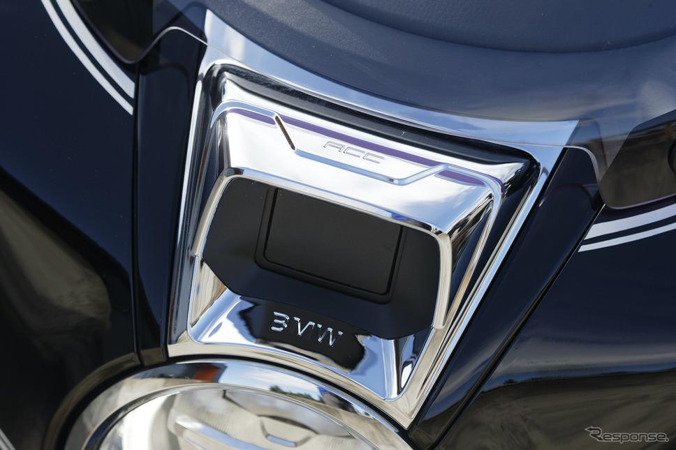前走車との車間距離を自動的に調整するACC(アクティブ・クルーズ・コントロール)も搭載。《画像 BMW Motorrad》